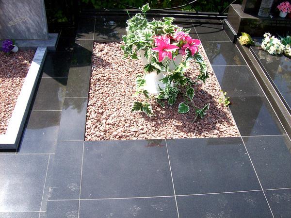 Как сделать искусственные цветы на кладбище
